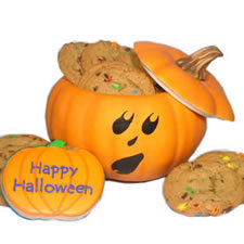 happy halloween pumpkin with cookies